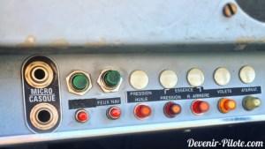 Bouton poussoir du DR400 F-GCIJ