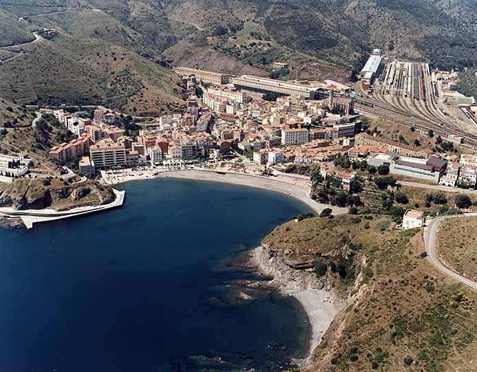 la localidad de Portbou en Gerona