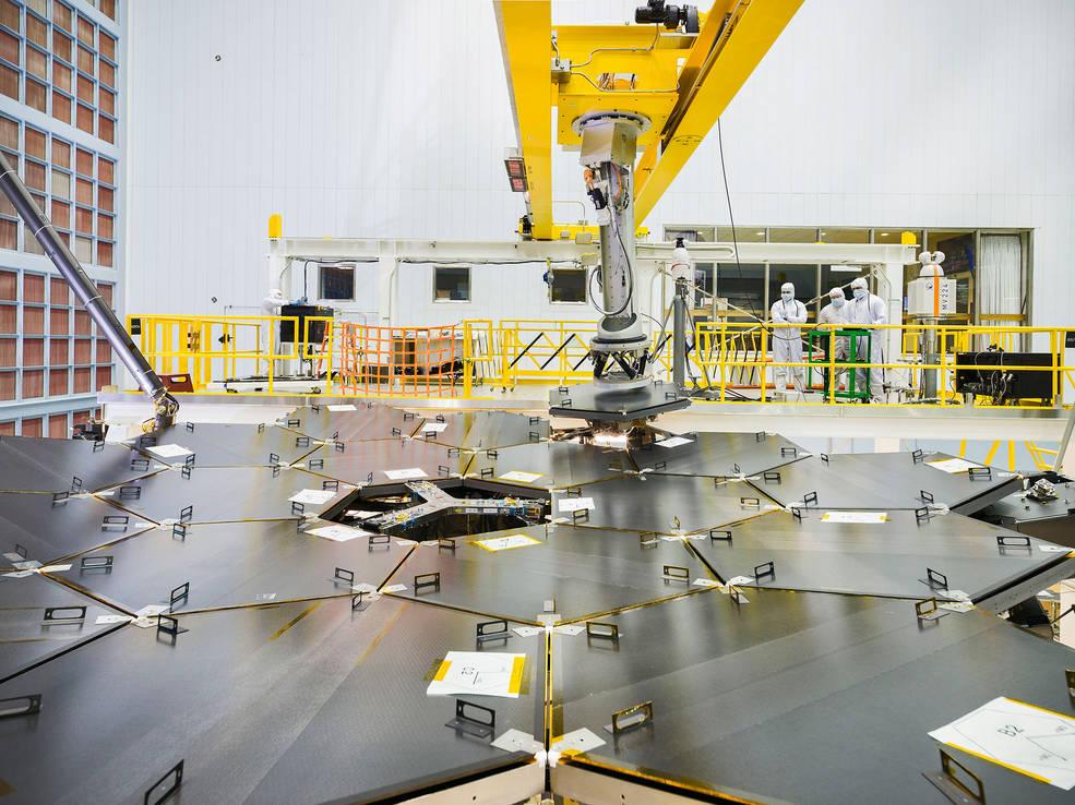 NASA reúne espelhos para construção do telescópio mais poderoso do mundo