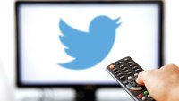 Twitter's live TV lineup grows with three Bloomberg weekday shows