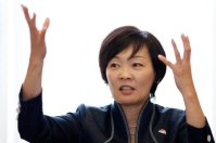 Japan's First Lady Akie Abe Visits Pearl Harbor To Pay Tribute