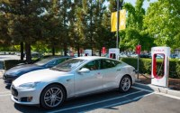 Tesla's fix for Supercharger squatters is a $0.40 per minute fee