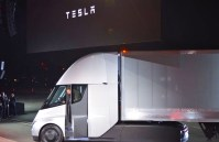 Anheuser-Busch wants to deliver beer with Tesla's electric semi-trucks