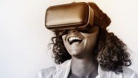 Can Apple do an AR/VR combo headset that won't make Jony Ive barf?
