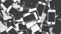 Greenpeace To Apple: Forget The Robots And Make iPhones Repairable