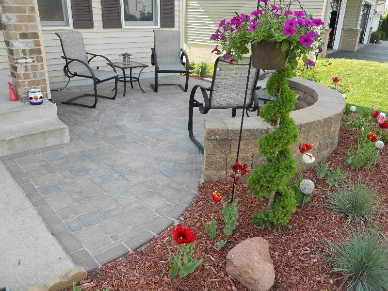 Landscape contractor Woodbury, MN | Devine Design Hardscapes on Concrete Front Yard Ideas id=64651