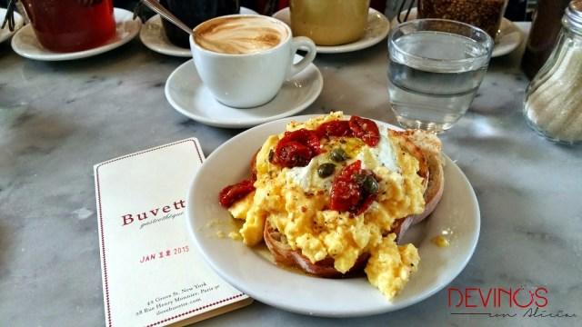Desayuno en West Village. Fuente: Vanessa Martiny para Devinos con Alicia