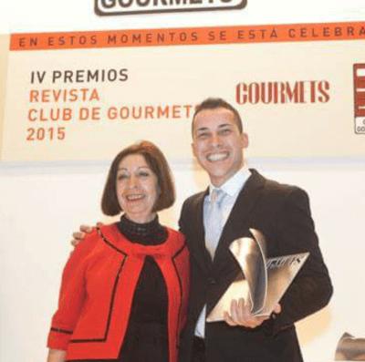 Premio de la revista Club de Gourmet 2015 otrogado a Guillermo Cruz. Fuente [en línea]: www.gourmets.net