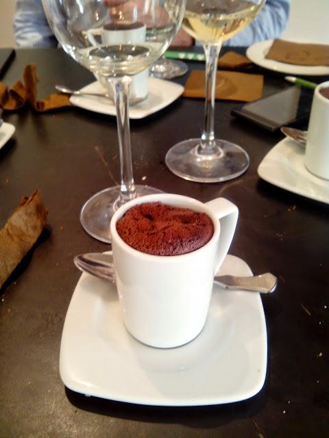 Chocolate de java suflado, creación de Marcos Castillo gastrobar Tendal (Baeza). Fuente: Devinos con Alicia