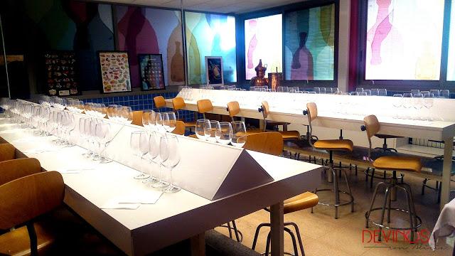 Aula de cata de la Escuela de Hostelería y Turismo de Castellón. Fuente: Devinos con Alicia