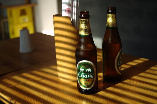 Chang Beer. Fuente: Arturo Romera para Devinos con Alicia Gastroblog © 2015