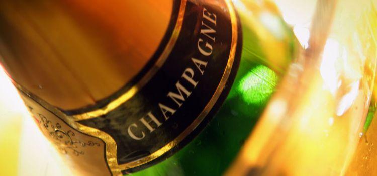 Champagne: bebida placentera que ralentiza el Alzheimer