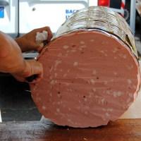 Mortadela de Bolonia, uno de los grandes embutidos del mundo