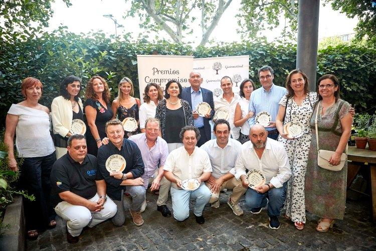 """Fotografía de familia III Premios Gastroactitud 'Compromiso con la Tierra"""". Fuente: Gastroactitud"""