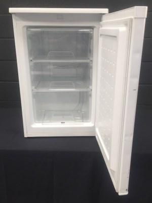 Under counter freezer 86 Ltr