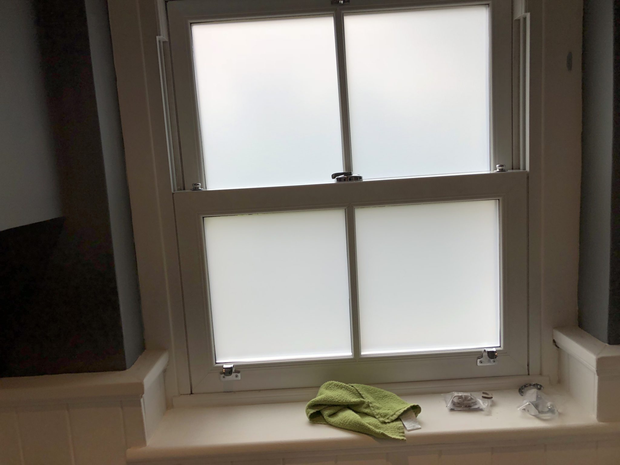 Hanita Frosted Obscure Window Film for Bathrooms