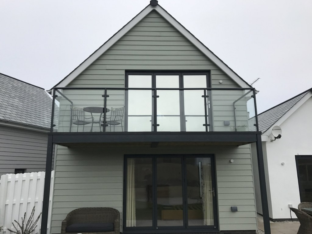 Hanita Silver 20 privacy film applied to these patio doors in Westward Ho!. Highly reflective finish for maximum daytime privacy