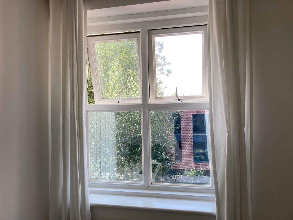 Silver 20 Privacy Half Window Exeter Interior