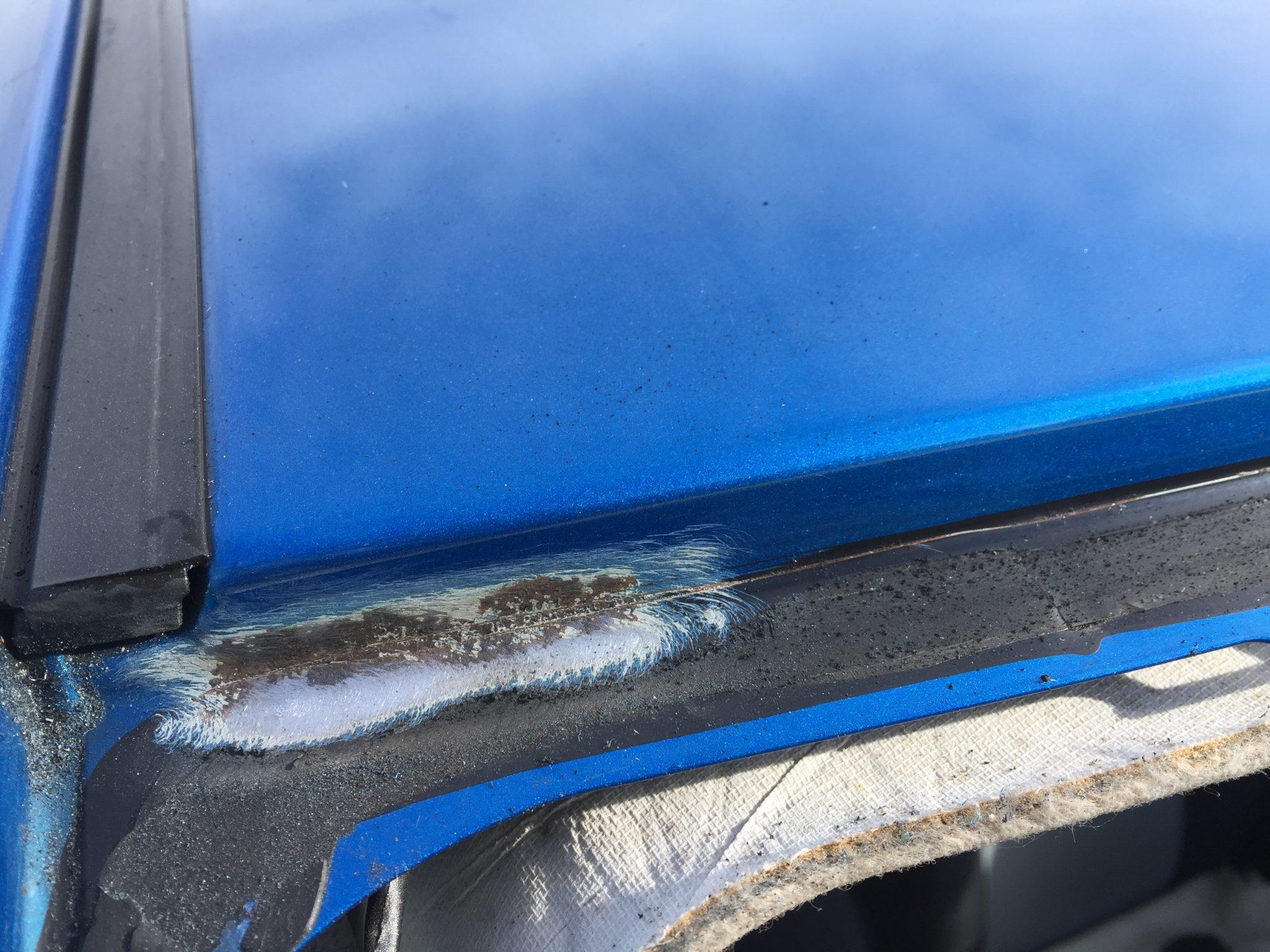 windscreen aperture rust