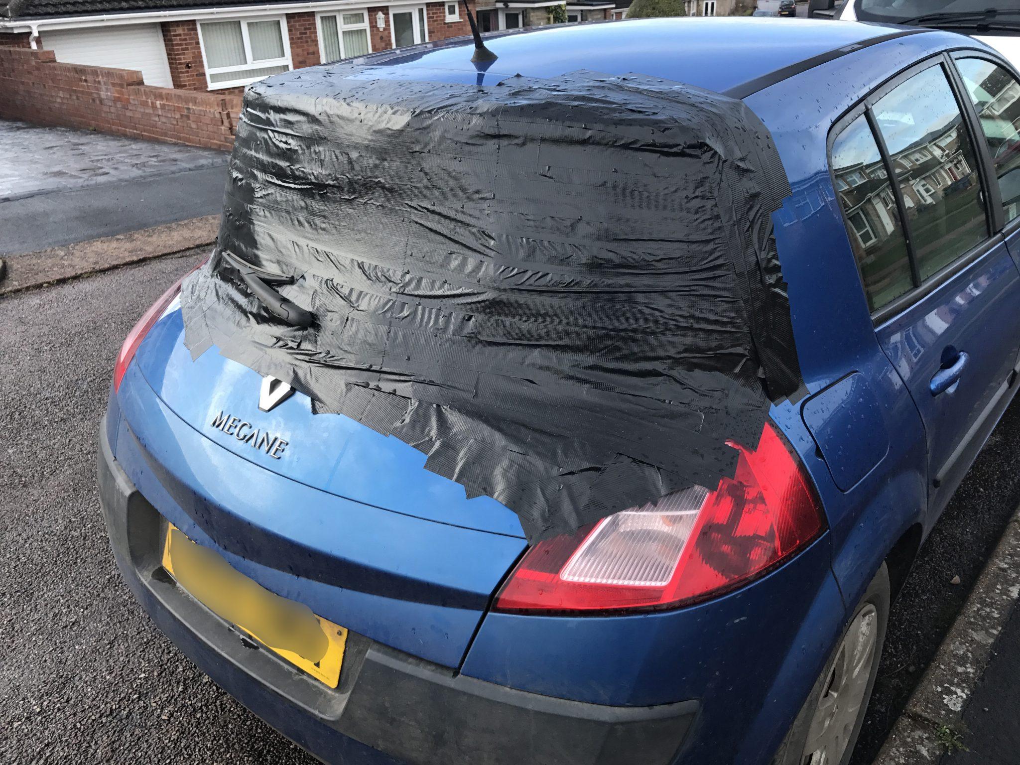 Renault Megane Shattered Rear Windscreen