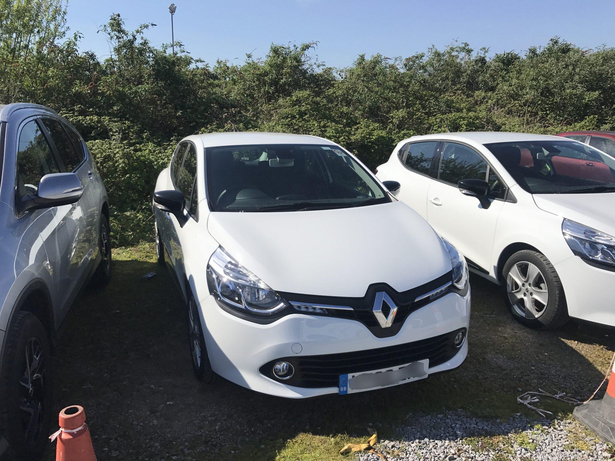 2016 Renault Clio Windscreen