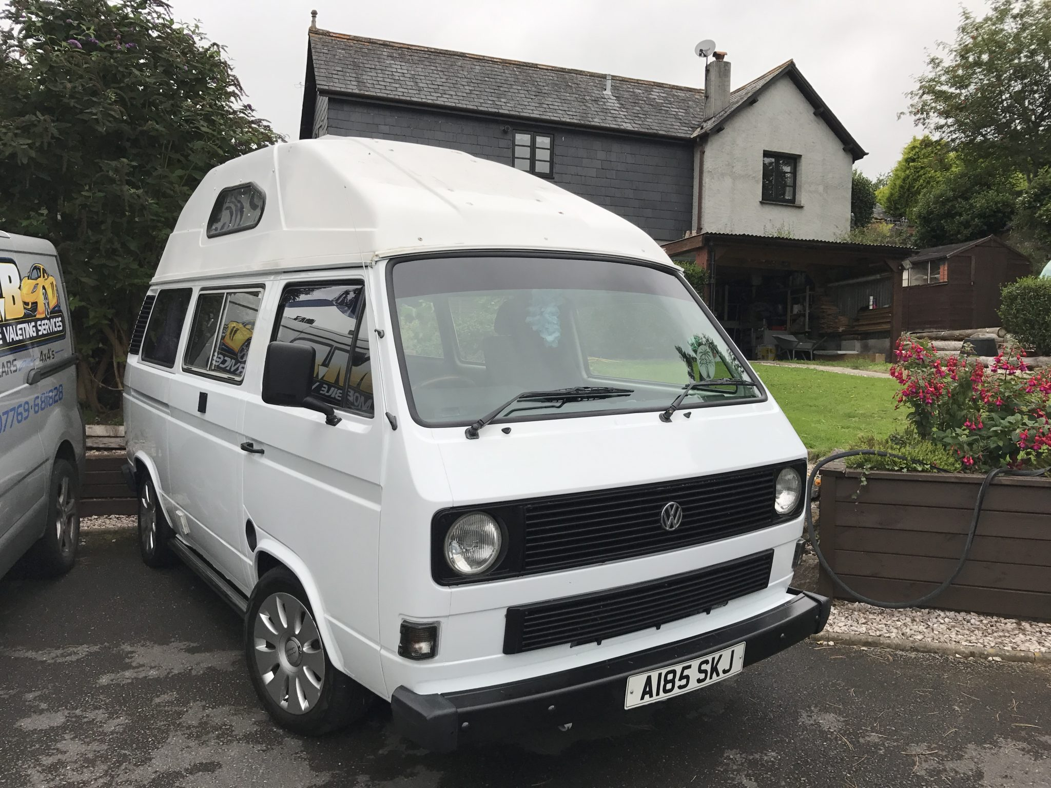 VW Transporter T25 Windscreen