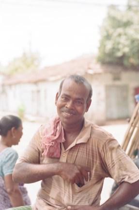 Jul2016 LeicaM2 Kodak Portra 400 India 2_-2