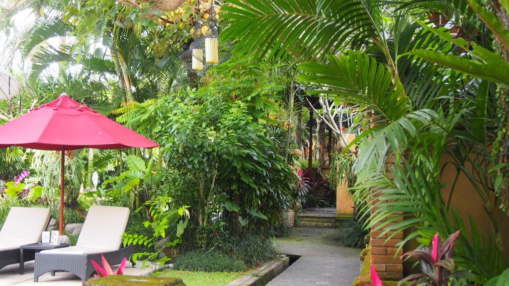 Bebek Tepi Sawah Restaurant & Villa