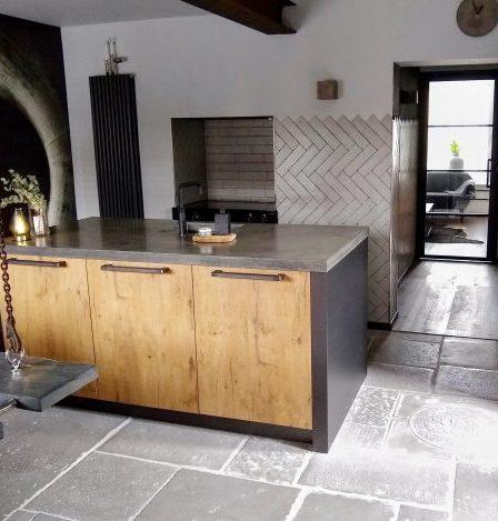 Industriele keuken RAW stones vloer