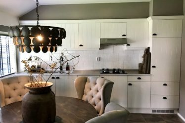 Landelijke keuken Hoffz lamp eethoek