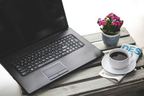 kaboompics.com_Work with coffee