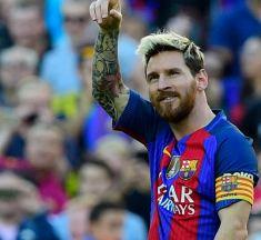 MIJMERINGEN OVER MESSI TIJDENS EEN STADSWANDELING DOOR BARCELONA-RW Bij zijn 400 ste doelpunt in La Liga (en 575 ste in totaal) voor Barça