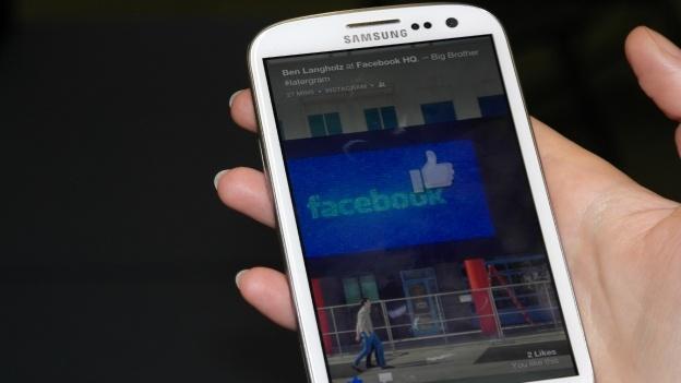 xl_Facebook_Home_4