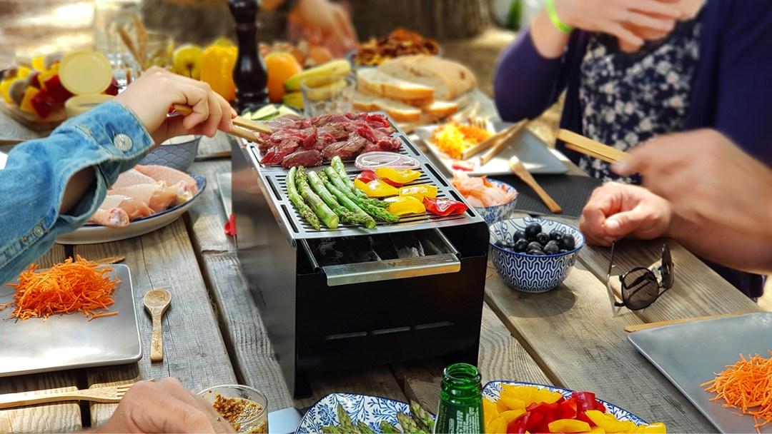 Barbecue transportable et écoresponsable table - mise en situation