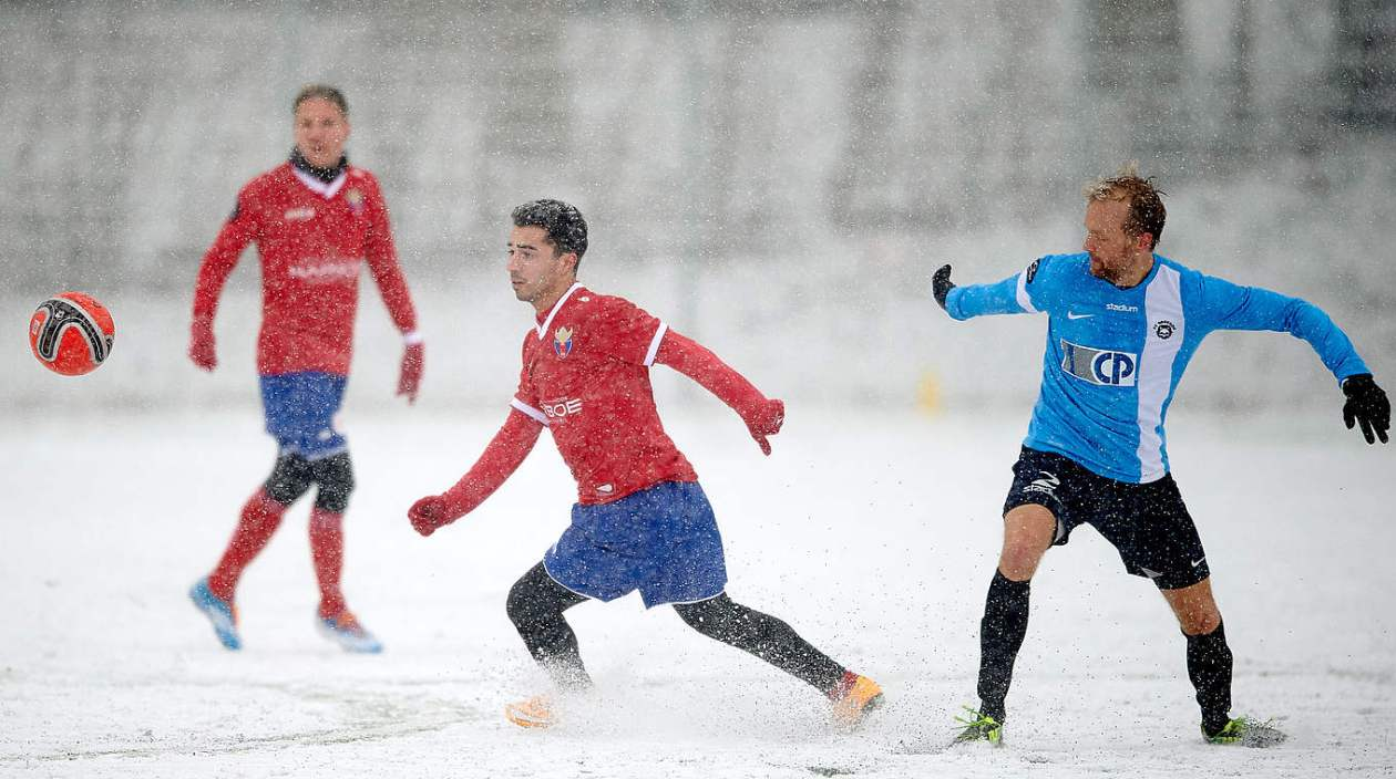 Image result for schnee fussball