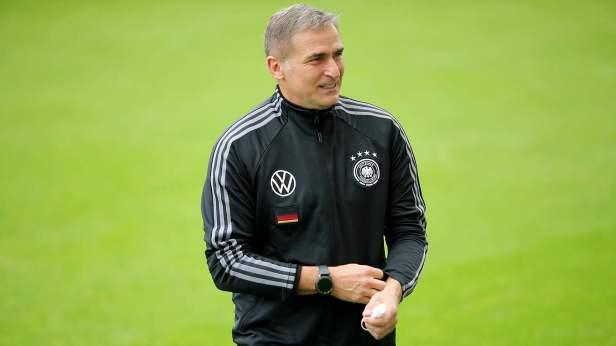 "Kuntz: ""It's important that the players self-reflect"" :: DFB - Deutscher  Fußball-Bund e.V."