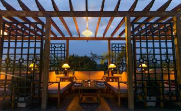 The Mother Of All Korean Cuisine Has A Bomb Rooftop Restaurant!
