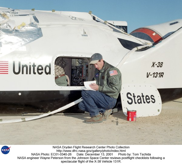 X-38 EC01-0340-26: NASA engineer Wayne Peterson from the ...