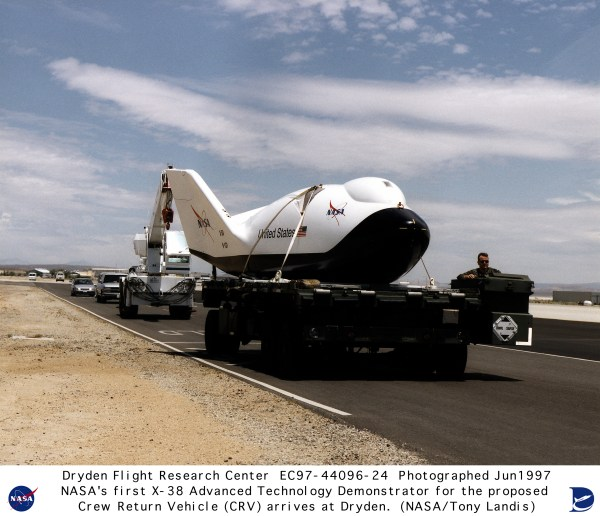 X-38 EC97-44096-24: X-38 Arrival at NASA Dryden on June 4 ...
