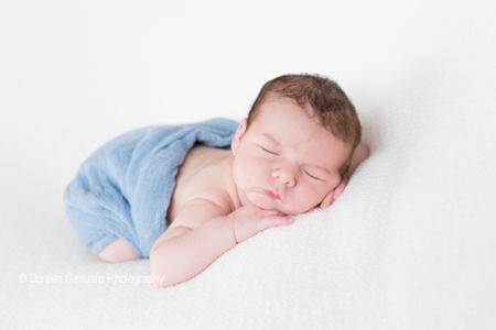 So wach – Doreen Gesuato – Fotografin für Neugeborene rund um Wertheim