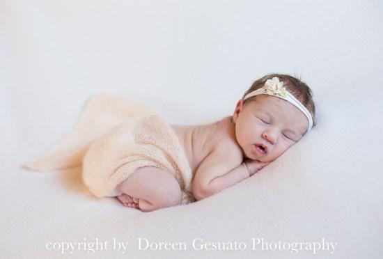 So lieb – Doreen Gesuato – Fotografin für Neugeborenen rund um Wertheim