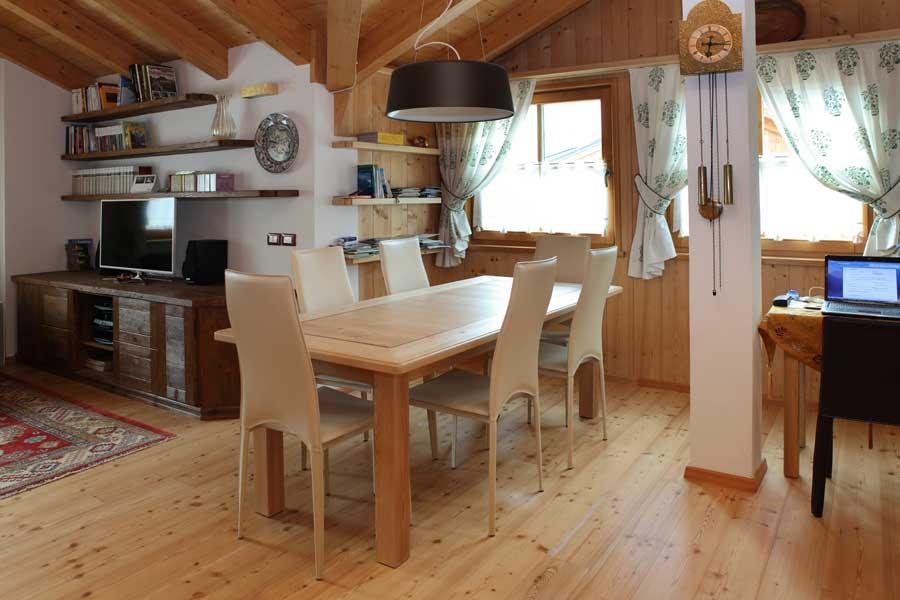 Spesso si è portati a pensare che arredare soggiorno e cucina sia. Stile Classico Per Un Open Space Soggiorno Sala Da Pranzo Cucina