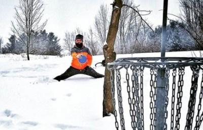 legal disc golf putting stance