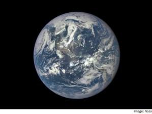 Read more about the article 16 लाख किलोमीटर की दूरी से ली गई पृथ्वी की यह 'शानदार' तस्वीर