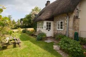 family friendly holiday cottage to rent near weymouth