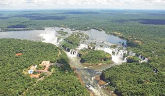 Parque Nacional da Iguaçu abriga as Cataratas do Iguaçu, consideradas uma das Sete Maravilhas da Natureza. Foto: ICMB