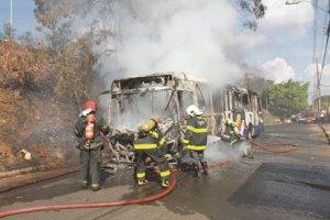 Onda de ataques a ônibus atinge 17 cidades de Minas