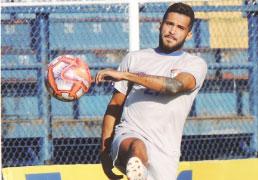 Gol crava nome de Alvinho na história do S.Caetano