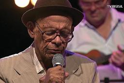 Sambista Elton Medeiros morre aos 89 anos no Rio
