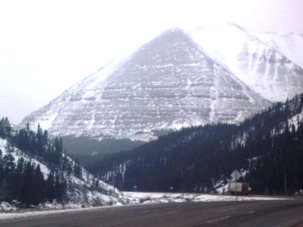 Βρέθηκαν οι Αρχαιότερες Πυραμίδες στο «Τρίγωνο των Βερμούδων» της Αλάσκας! (Εικόνες και βίντεο)